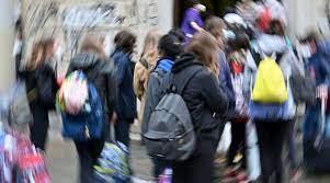 """Scuola, scatta il """"Piano estate"""": partecipazione volontaria"""