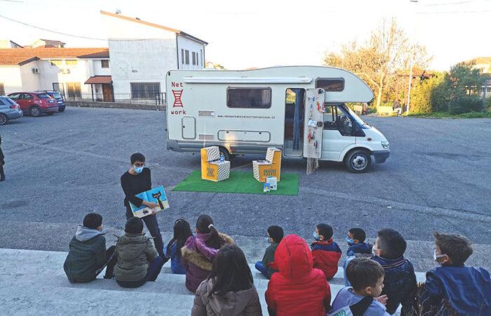 Notizie dal CSV di Cosenza: Bibliocamper in tour a Corigliano Rossano