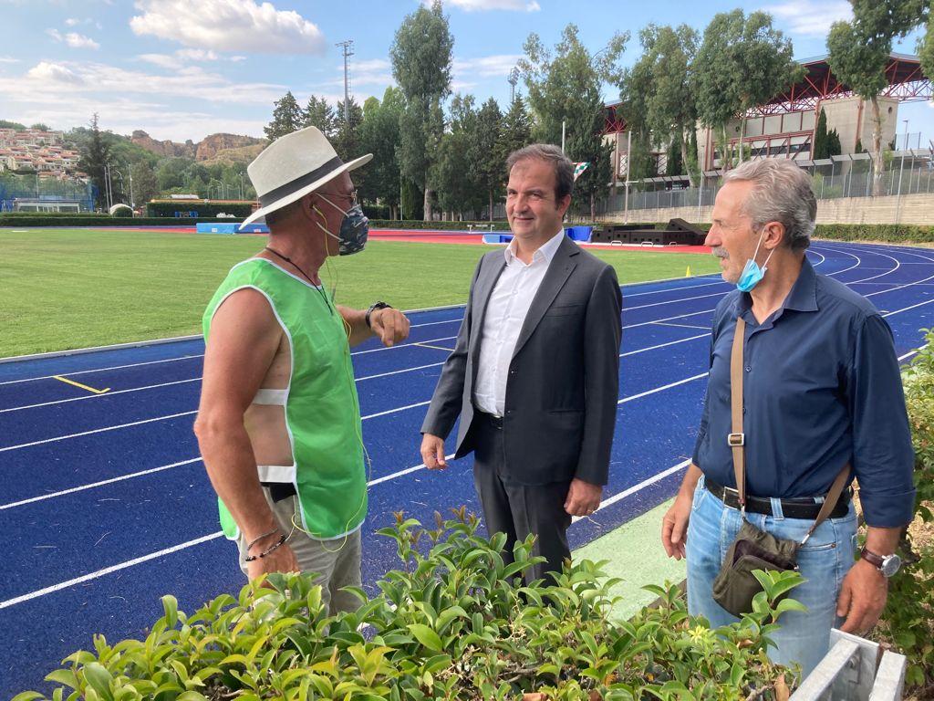 Cosenza, da lunedì 26 luglio sarà restituito alla città il Campo Scuola Coni con la pista di atletica completamente rinnovata.