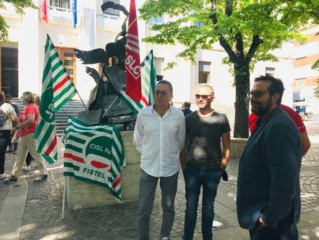 Lavoro: a rischio 66 lavoratori del call center Almaviva di Rende