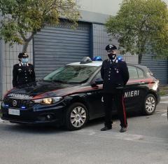 Corigliano-Rossano, madre coraggiosa trova marijuana nascosta nella camera del figlio e chiama i carabinieri