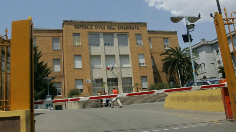Precipita dal secondo piano di una villetta, 11enne in fin di vita a Cosenza